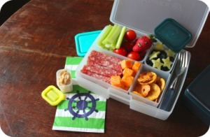 G25-beach-salami-cheese-veggies-blueberries-cucumber-stars-pretzel-mix(2)1
