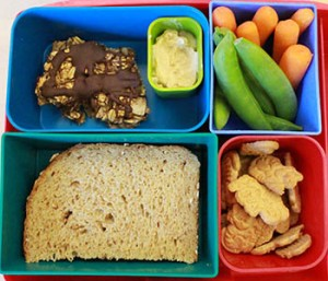 Sand-Granola-Veggies_350x300-bento-lunch-box